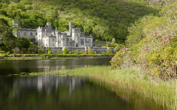 Castelo de Kylemore - Reprodução - www.kylemoreabbeytourism.ie